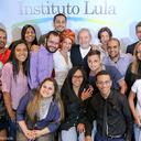 Lula ouve histórias de vida transformadas por programas educacionais