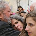Emocionado, Lula assiste missa em homenagem a Eduardo Campos