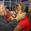 Lula é recebido com festa em Rio Branco
