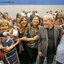 Intelectuais e artistas defendem projeto popular e repudiam perseguição a Lula