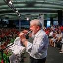Em congresso de professores, Lula conclama união das esquerdas para luta contra perdas de direitos dos trabalhadores