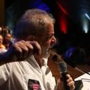 Lula defende conquistas sociais em congresso de educadores
