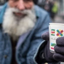 Criação do 'Bolsa Família' é aprovada na Itália e ajudará famílias de baixa renda