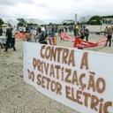 Parlamentares contestam privatização da Eletrobrás