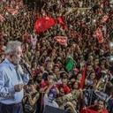 """""""Están vendiendo nuestro país"""", dice Lula en gira por Minas Gerais"""