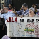 Bordadeiras de Belo Horizonte homenageiam Lula e Dilma