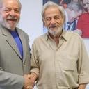 Escritor Raduan Nassar visita Instituto Lula