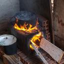 Em Recife, acidentes aumentam após população abandonar gás de cozinha