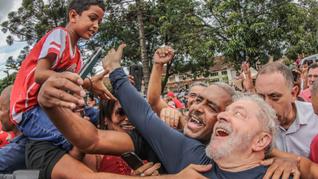 """""""Está sendo o dia mais feliz do ano"""" diz Lula em reencontro emocionante com hansenianos em Betim (MG)"""