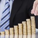 Banco Mundial acha salário mínimo, que ajudou a reduzir a miséria, alto demais