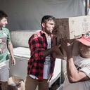 Curitibanos que vivem perto da PF abrem a casa e também colaboram com acampamento