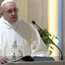 Papa critica ações midiáticas que levam a golpes