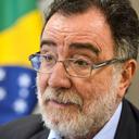 """""""A saída é fortalecer os movimentos populares"""""""