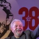 """Lula: """"Dinheiro na mão de pobre movimenta a economia"""""""