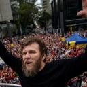 Artistas ocupam Paulista por liberdade de Lula