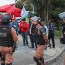 Vigília repudia intimidação policial em Curitiba