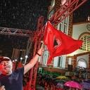Há um ano, multidão guiava Lula contra o ódio