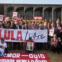 Em ato por Lula em Brasília, parlamentares cobram STF