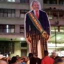 Lula Livre gigante faz sucesso na Central do Brasil