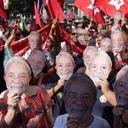 Ato ʽJustiça para Lula' reúne milhares em São Paulo