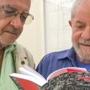Lula defende soberania em livro organizado por Emir Sader