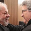 Em Paris, Lula reencontra Mélenchon