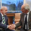 Lula encontra pai de fundador do Wikileaks
