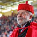 Juiz volta atrás e devolve honoris causa de Lula
