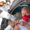 """""""Imprescindível"""": Lula toma a primeira dose da vacina"""