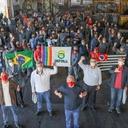 Em visita à Uniforja, Lula reafirma papel dos trabalhadores
