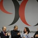 Lula firma abaixo-assinado pela Reforma Política no aniversário do Sindicato dos Bancários