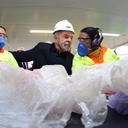 Prefeitura de São Paulo inaugura central de triagem de materiais recicláveis com presença de Lula
